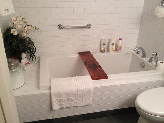 お風呂のカビと雑菌対策!重曹でかんたんお掃除のコツ